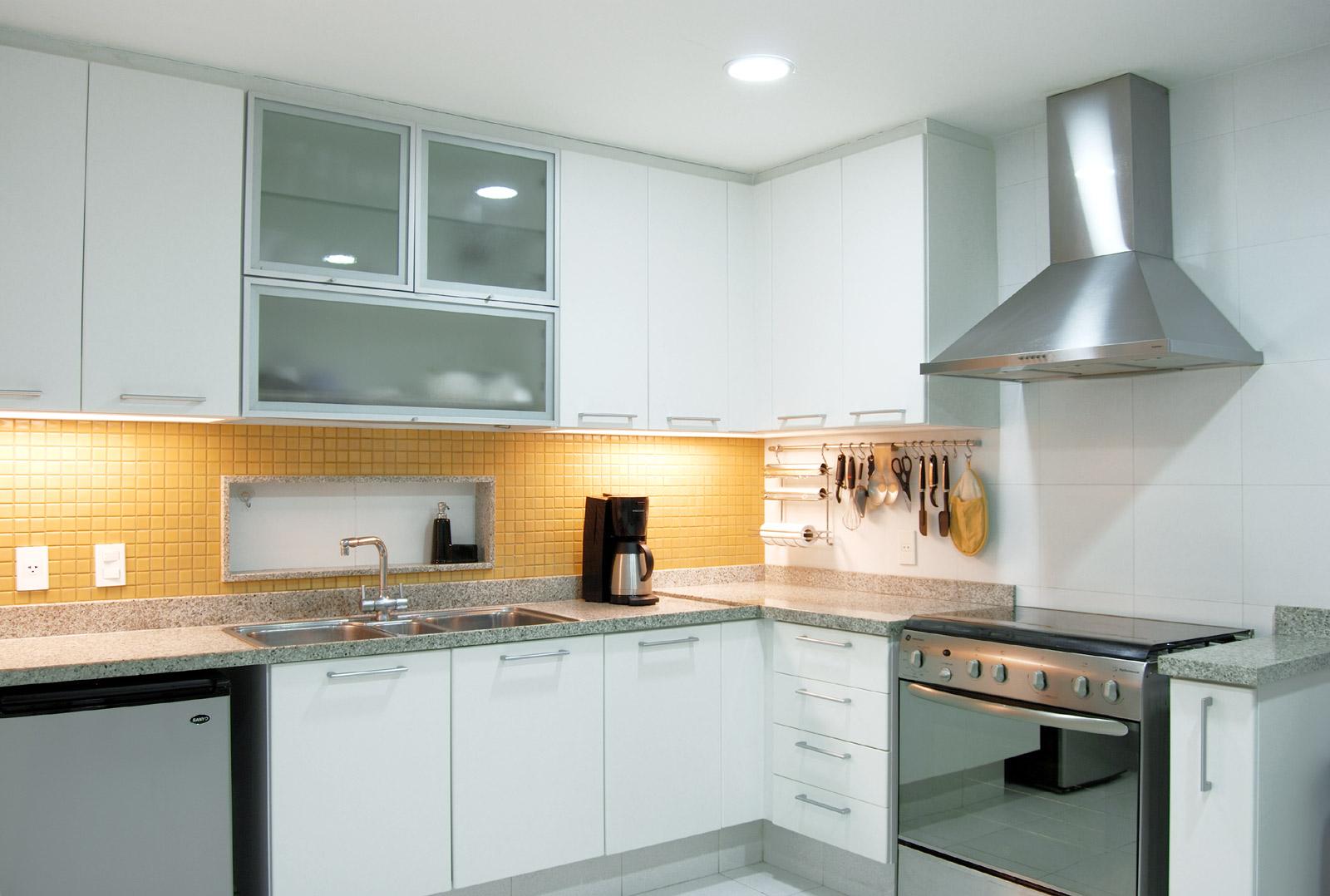 MorasBessone Arquitetos cozinha #AD741E 1600 1078